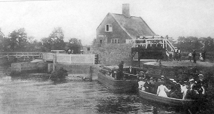 An Edwardian boat party downstream of the Staunch in the early 1900s